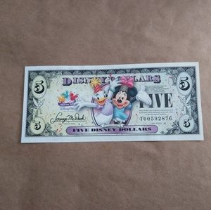 Disney Dollar Minnie and Daisy